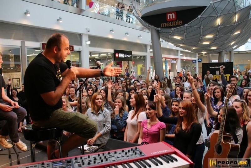 Topfest tour 2014. OC Laugaricio - skveli mladi mili ludia!!!!! 20.máj.2014. Trenčín.