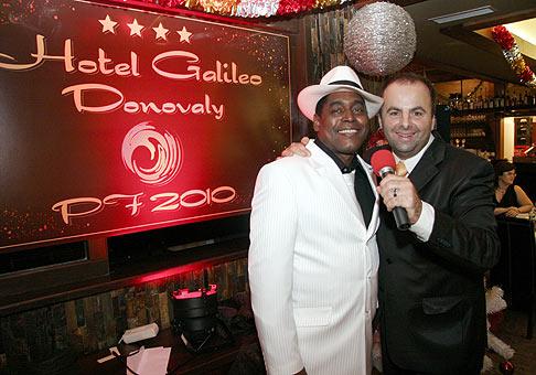 Silvester v novootvorenom hoteli Galileo (www.galileohotel.sk), hosť večera kubánsky spevák Lazaro. 31.12.2009, Donovaly.