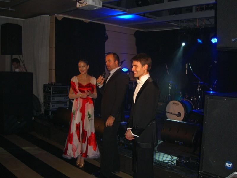 Vianočný večierok pre Philip Morris Slovakia prišli osviežiť na loď Rivers Club súrodenci Surovcovi. 11.12.2011, Bratislava.