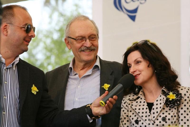 Koncert vďaky na námesti SNP. S Františkom Kovárom a Beatou Dubasovou. 13.4.2012, Bratislava