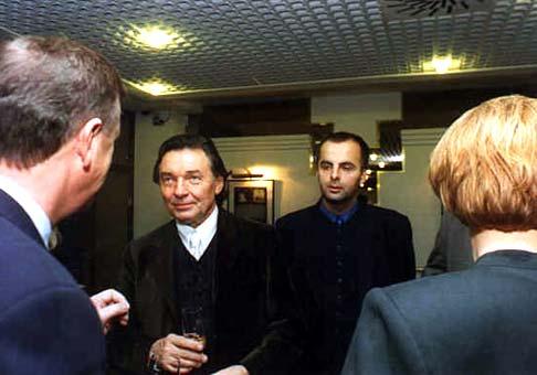 Častokrát som na rokovaniach stál v pozadí Karla Gotta.