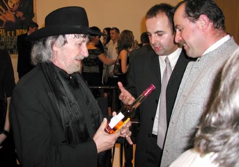 Pána Jakubiska potešilo víno z Tokajského kraja od pána Ostrožoviča