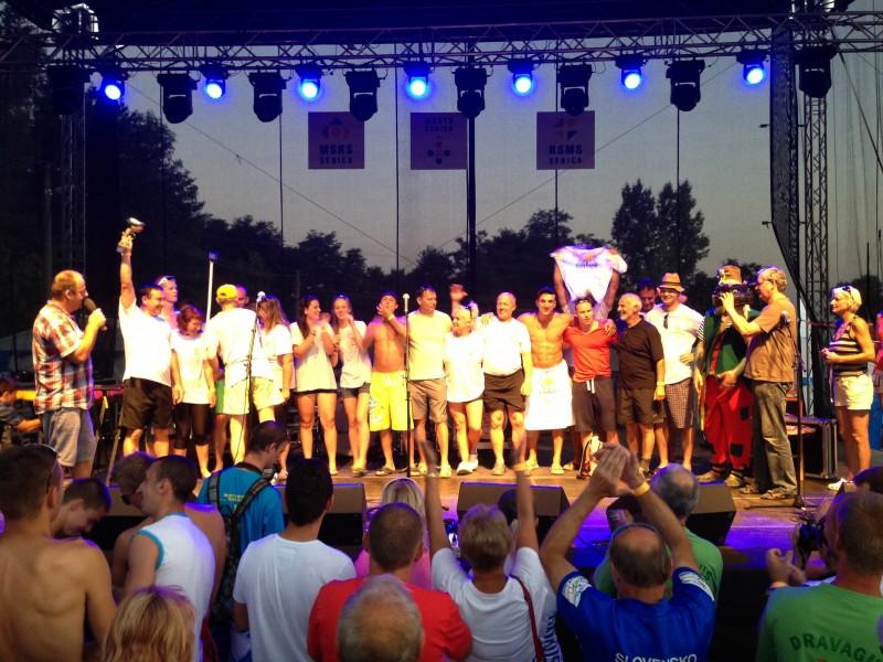 4.ročník Dračie lode na Kunovskej priehrade. Rekordny počet teamov - 16. 27.júla.2013. Senica.