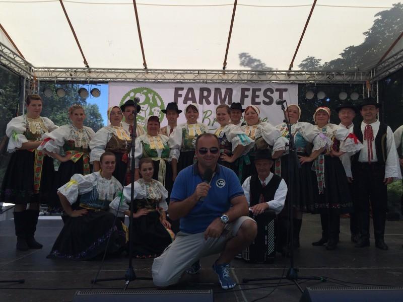 Festival slovenskych farmarov a remeselnikov - Farmfest.sk v sade Janka Krála. 8.máj.2014. Bratislava.