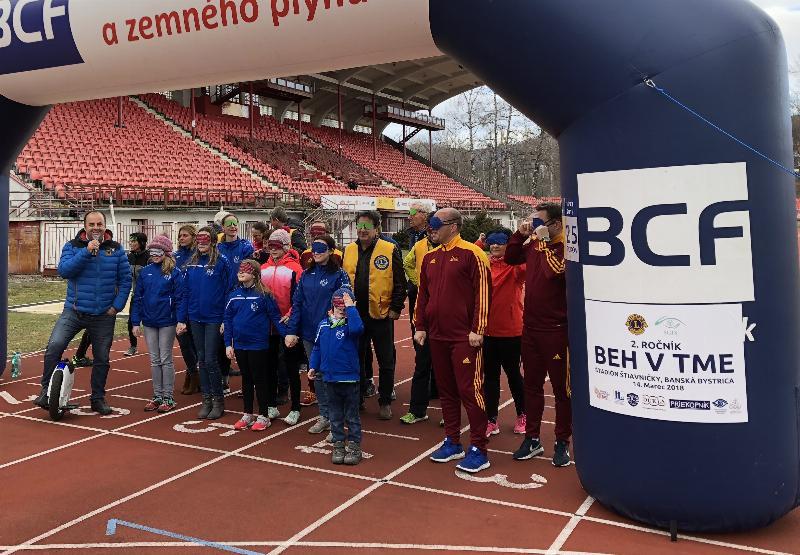 Svetovy tyžden Glaukomu, Beh v tme na stadione Dukla BB Stiavnicky. 14.marec.2018 Banska Bystrica.