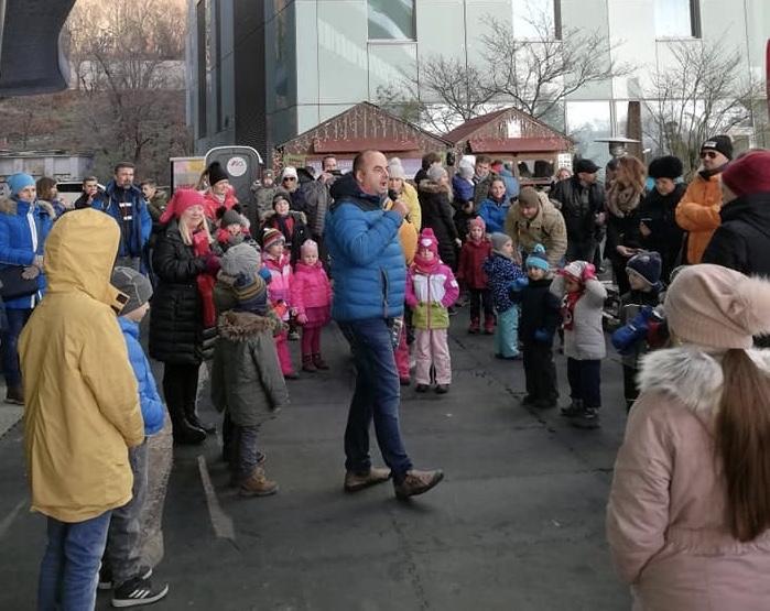 Otvorenie klziska v River parku s Mikulasskym programom. 8.december 2019 Bratislava