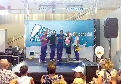 Na Nitrianskom Agrokomplexe vystúpili na akcii Objav mlieko aj Old School Brothers. 18-21.8.2011, Nitra.