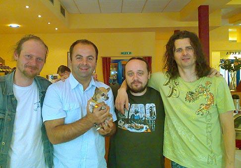 Skupina Arzén v Bratislave, po dlhom čase sme sa stretli v Hoteli Medium na raňajkách. 17.6.2008