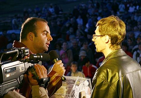 Starosta Bernolákova, Ľubomír Poor, ukončil veľmi vydarené Dni obce, ktoré vyvrcholili ohňostrojom a žrebovaním 50 cien pred 2000 divákmi. 4.6.2006.
