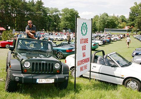 Zraz kabrioletov na Kamennom mlyne. 12.7.2008. Spanilej jazdy sa zúčastnilo 165 kabrioletov a na zraz prišlo o 18 áut viac, 183.