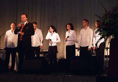 Ples spoločnosti NRSYS z Nitry v PKO Nitra. Na fotografii som s Close Harmony Friends. 27.1.2009