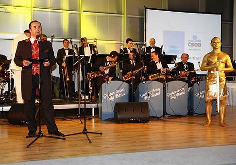 Odovzdávanie ocenení najúspešnejším za rok 2007 v rámci ČSOB poisťovňa s orchestrom Gustava Broma. Marec 2008.