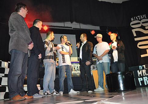 Krst prvého CD skupiny Dornkappel. Krstní rodičia: Dušan Pekár - starosta Ružinova, Patrik Herman a Juraj Kováľ. V pravo členovia Dornkappel. 14.1.2011.