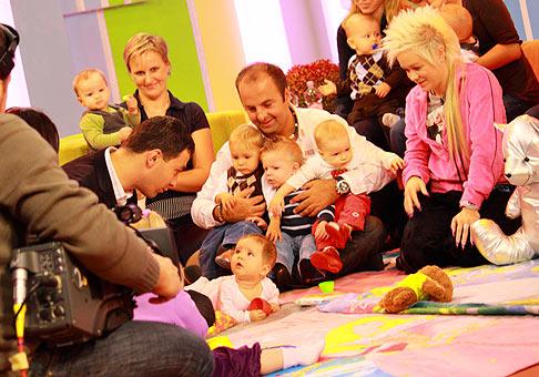 Propagácia akcie lozenie bábätiek v Teleráne Markíza. 14.10.2009.