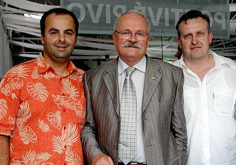 S pánom prezidentom Ivanom Gašparovičom a zakladateľom Národného pivného festivalu Junifest Kamilom Križanom.