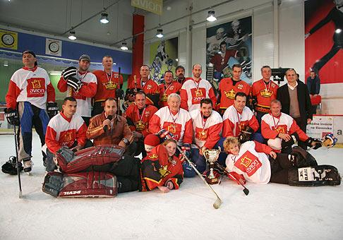Hviezdy deťom, deti hviezdami. Hokejový zápas hviezd. Avion Shopping Park. 20.10.2007.