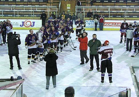 Majstrovstvá Slovenska v hokeji amatérov a veteránov v Poprade 18-21.12.2003