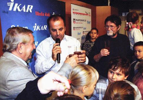 Krstu rozpávkovej knihy Jaroslava Rezníka st. Kika spáva v paprike na výstave Bibliotéka v bratislavskej Inchebe sa zúčastnilo veľa malých čitateľov. 7.11.2009 Bratislava.