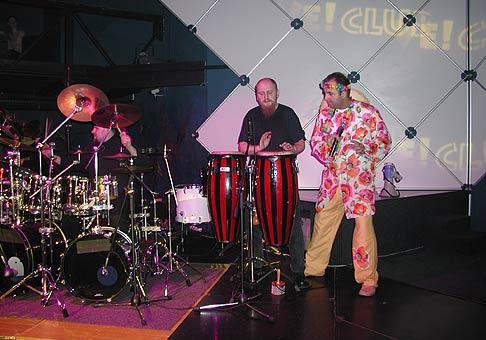 Fantastickí bubeníci z kapely Jumping Drums na Karnevale ovocných rozkoší v Auparku.