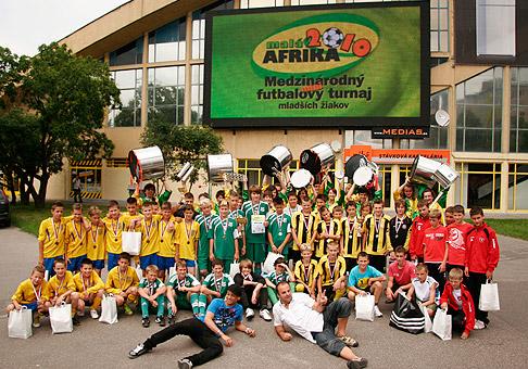 Futbalový turnaj mladších žiakov Malá Aftrika v športovej hale na Pasienkoch. 20.6.2010, Bratislava.