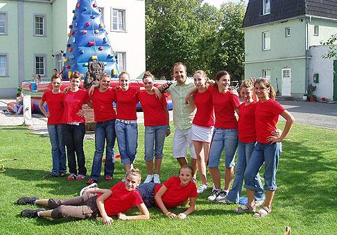 Profesionálne a milé mažoretky TINA na akcii spoločnosti Faurecia, hotel Kamila 8.7.2007