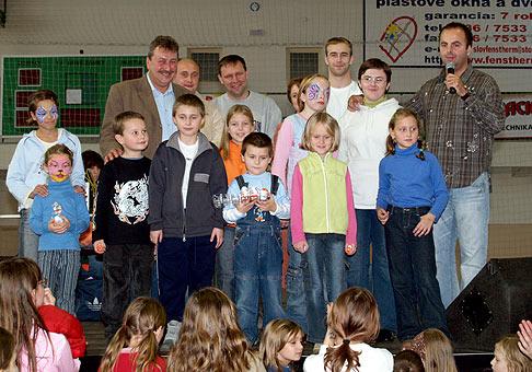 Športová hala Millenium v Nových Zámkoch patrila 17.11.2006 deťom.