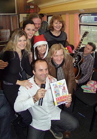 Krst knihy Marie Mikovej Farebné rozprávky počas Mikulášskej jazdy parnou lokomotívou Albatros. 6.decembra 2009 Bratislava.