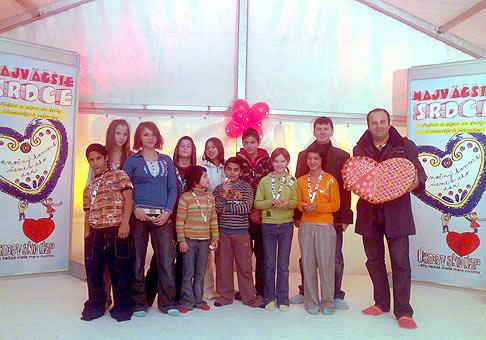 Úsmev ako dar v bratislavskom PKO. Tentokrát ustanovujúci slovenský rekord Srdce vytvorené zo sŕdc. 4.decembra.2009.