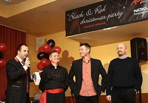 Black and red christmas party zľava doprava Ondrej Lauko Adora Plus, Miro Fančovič NOKIA a Ján Kolimar NOKIA Česko-Slovensko 15.12.2006.