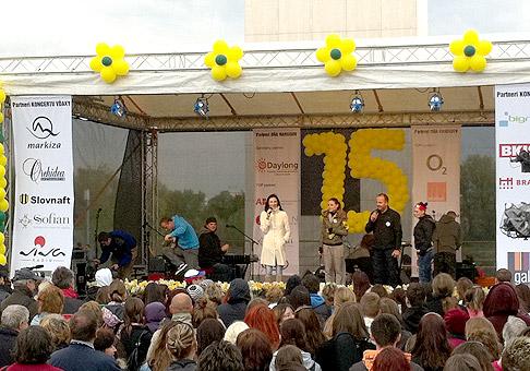 Druhý ročník Koncertu vďaky pri príležitosti 15. ročníka dňa narcisov. Bratislava, Eurovea, 15.4.2011.