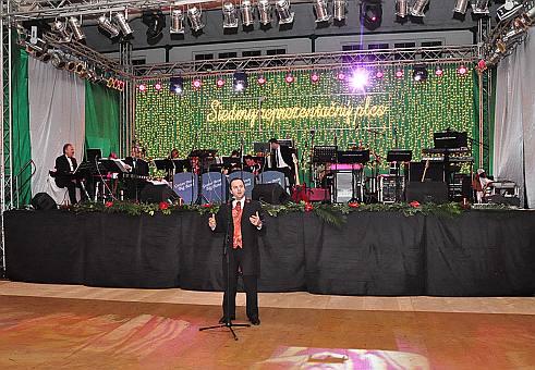 7. ročník reprezentačného plesu primátora mesta Nové Zámky. Luxusný, elegantný a perfektne zorganizovaný! 15.1.2010, Nové Zámky.