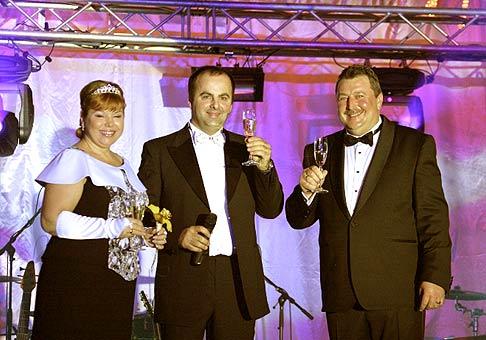 5. Piaty reprezentačný ples mesta Nové Zámky. S pánom primátorom Gejzom Pišingerom a jeho manželkou.
