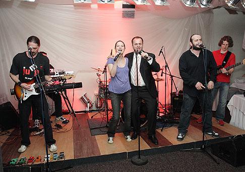 Firemný večierok spoločnosti Our group. 4.4.2009 Stará Turá