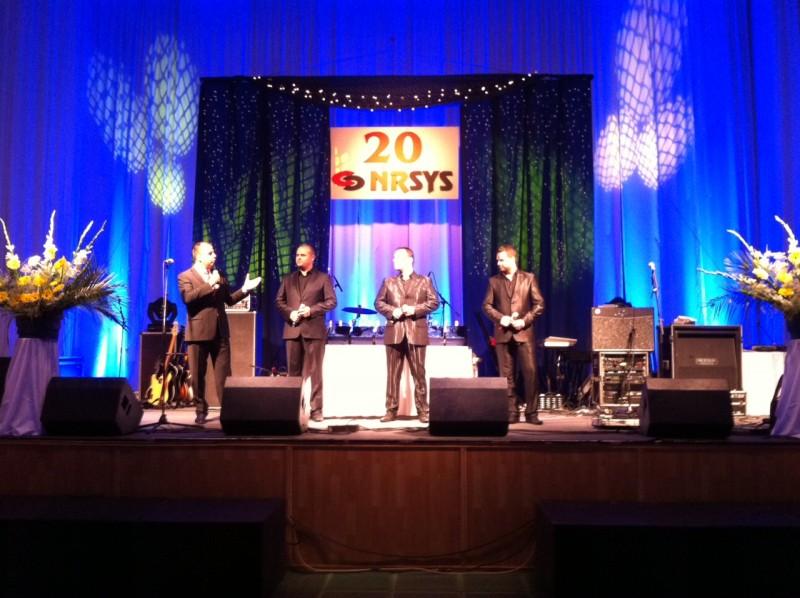 20. výročie spoločnosti NRSYS v nitrianskom PKO prišla podporiť La gioia. 20.11.2011, Nitra.