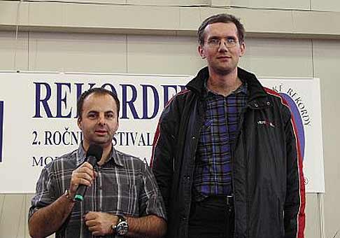 Najvyšší muž Slovenska s jeho výškou 218cm a ja na Rekordfeste 2007 na Inchebe.