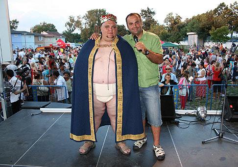 12.ročník Seneckého karnevalu. S Kráľom seneckého karnevalu na rok 2008/2009 Jarom. 27.6.2008