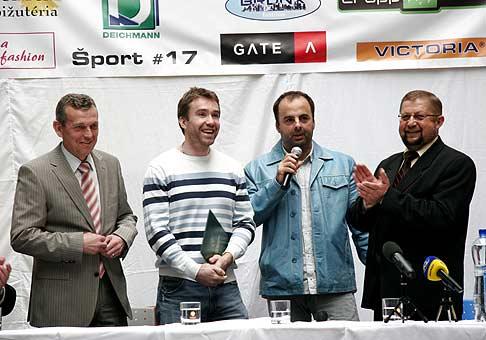 Žigo Pállfy vyhral stávku s ministrom Jureňom a na jeden deň sa stal sám ministrom spravodlivosti. 6.4.2008