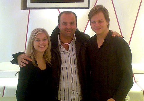 Dominika Stará a Martin Chodúr, želám vám aby vás šťastie sprevádzalo na každom kroku :-) 6.11.2009 Bratislava.