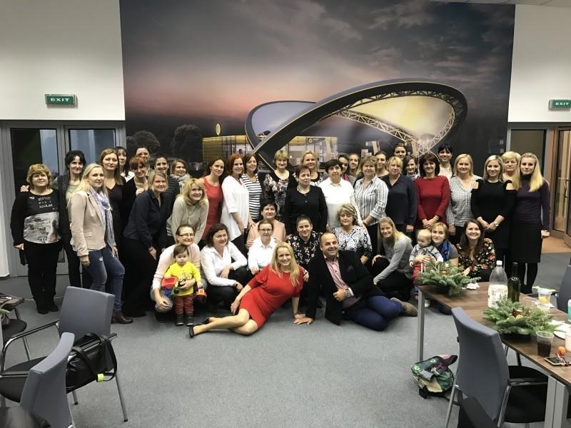 Vianočny večierok učtovného utvaru spoločnosti Slovnaft. 12.decembra 2016. Bratislava.
