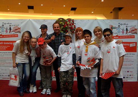 Mirka Partlová, Ján Slezák, Zuzana Tlučková a Zuzana Vačková podporili celoslovenskú zbierku Úsmev ako dar v Poluse. 5.5.2010, Bratislava.
